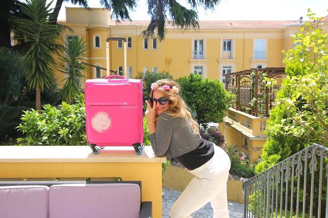 Blogger_travel_baggage